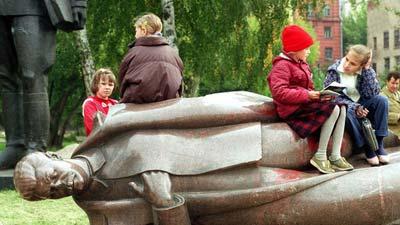 普京PK梅德韦杰夫:俄罗斯是否要去斯大林化?