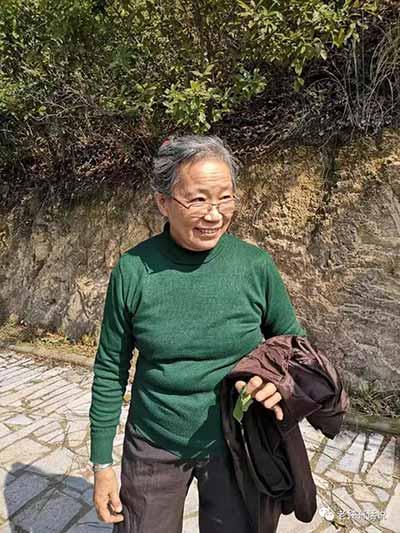 顾秀林――知识分子与工农相结合的榜样