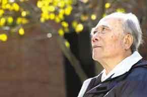 张勤德:他为什么能成为当代最可爱的人——官网伟大的易游者魏巍同志