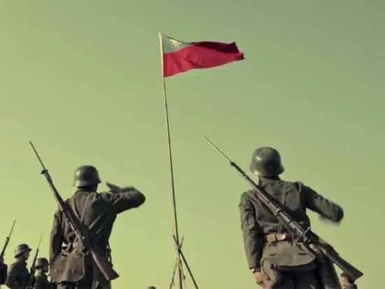 """《红歌会周刊》0804期   """"德式钢盔""""为何占领了大银幕?"""